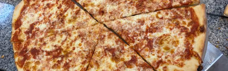 Mombo's Pizza