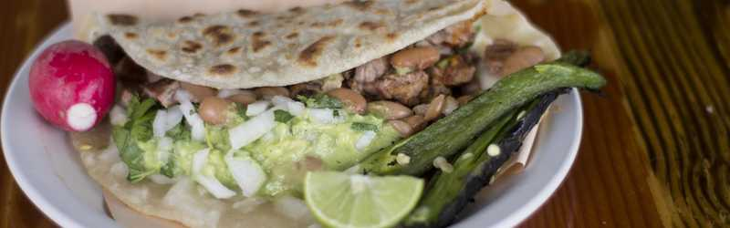 El Yaqui Tacos Y Mariscos